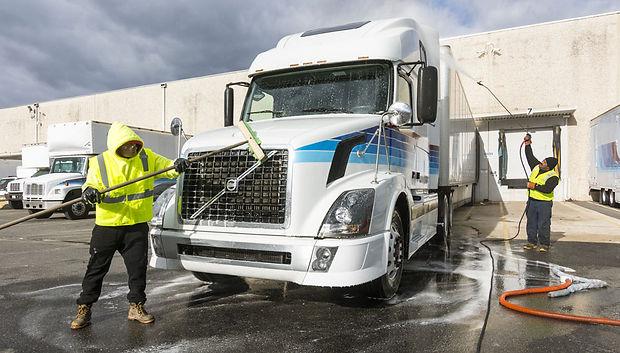 truck-washing-9.jpg