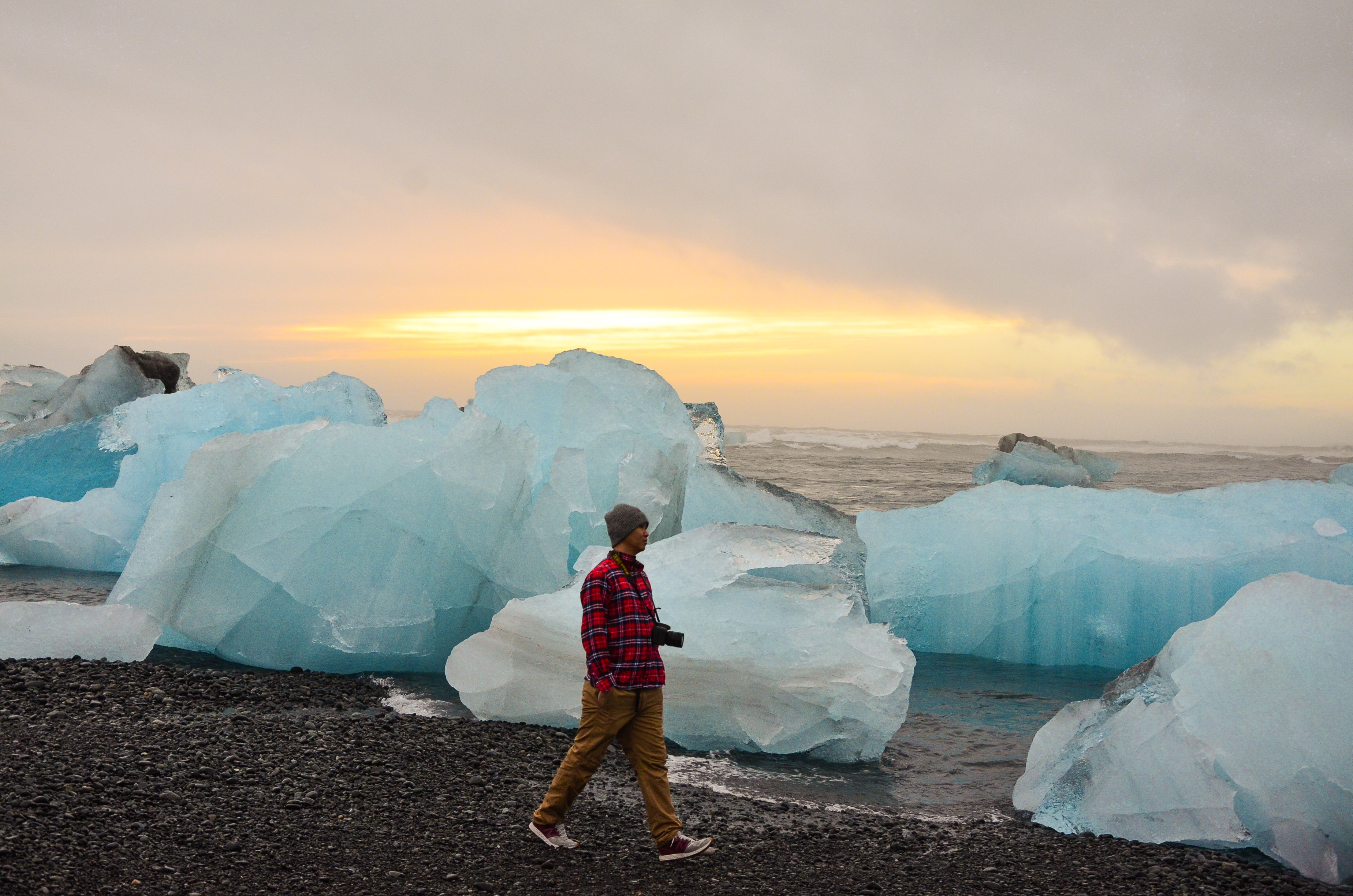 期许。iceberg