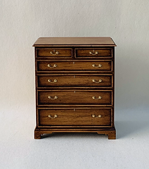 Georgian Chest with 4 Long and 2 Short Drawers