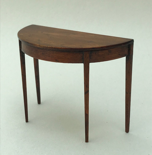 Half Rond Side Table.Half Round Sidetable