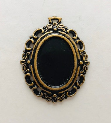 Oval Frame in Black and Gilt