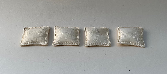 Set 4 silk cushions by Simply Silk