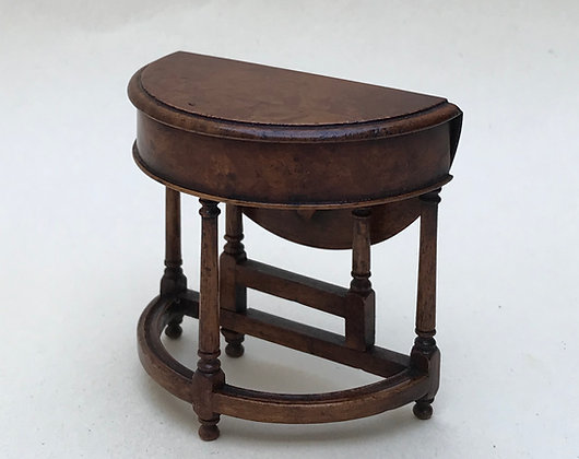 William and Mary Credence Table