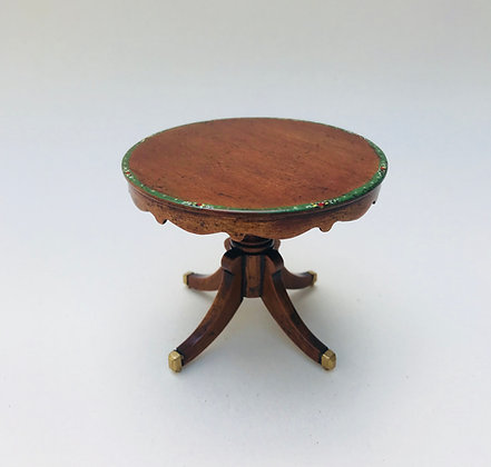 Round Table with Apron
