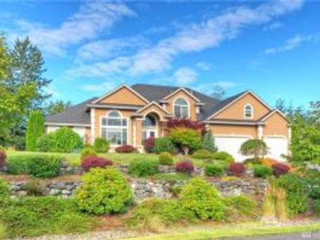 Check Out This Stunning Lake Tapps Home!