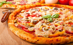 pizza-hd-wallpaper-high-resolution-r2f6g0