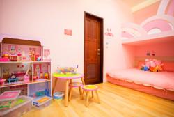 粉紅派對親子六人房