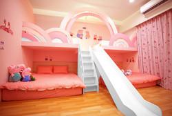 一館:粉紅派對(6人房)