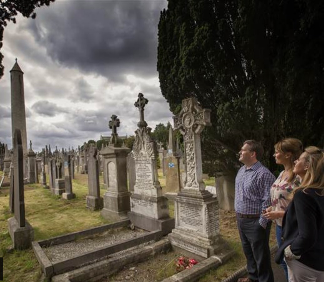 GENEALOGY & ANCESTRY DISCOVER YOUR LONG-LOST RELATIVES