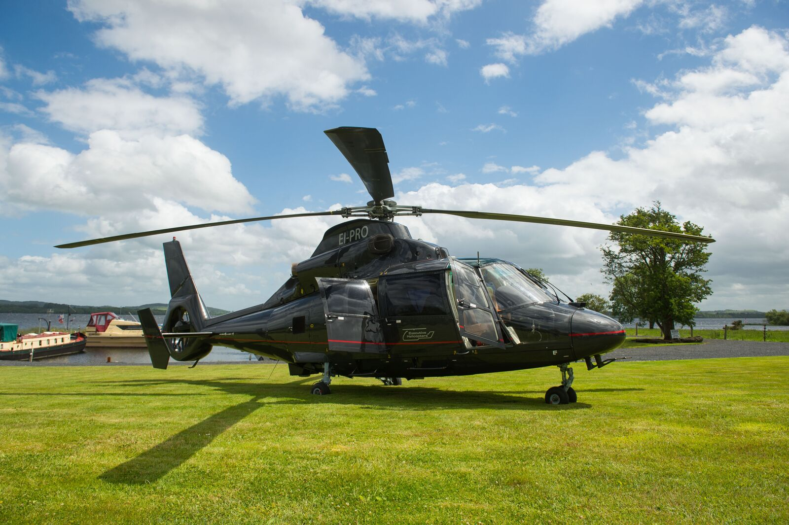 PRIVATE HELICOPTOR TRANSFERS & TOURS OF IRELAND