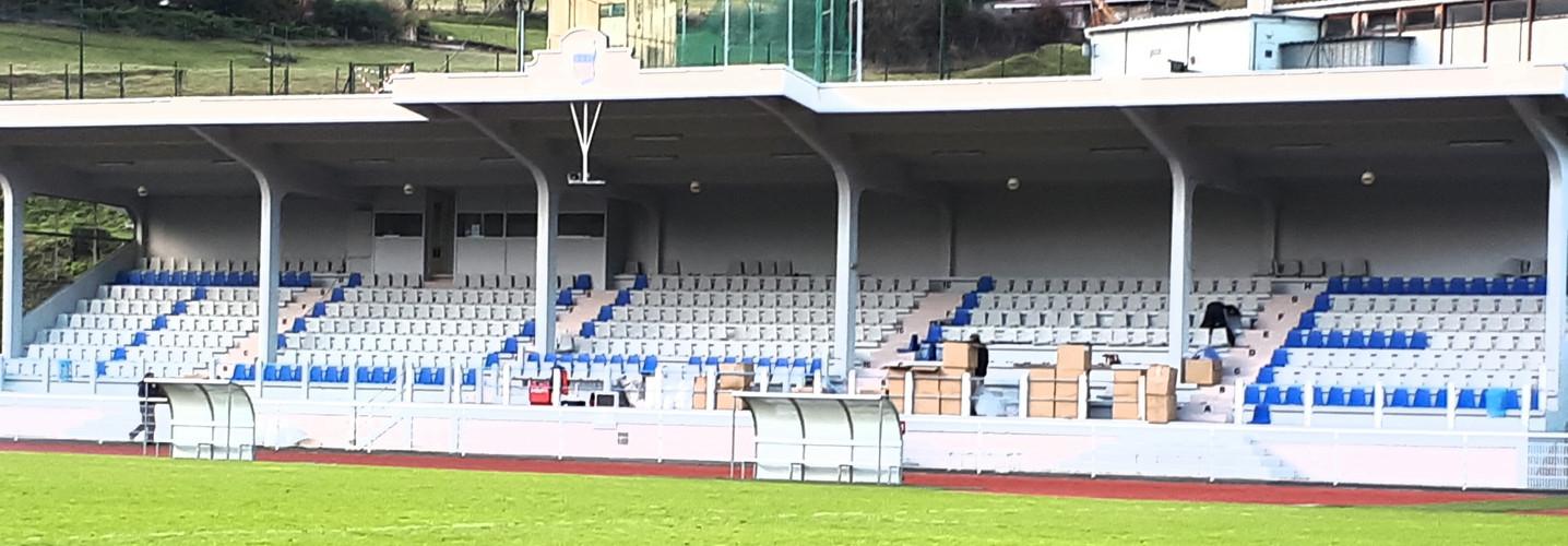 Grande tribune stade Alexandre Cueille Tulle