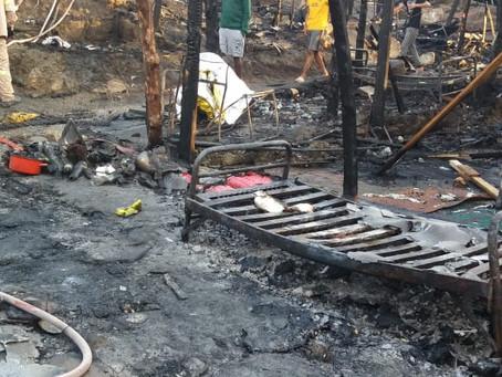 Fire ravages Samos hotspot camp: hundreds evacuated