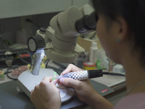 顕微鏡で仕上げます