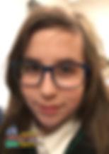"""Hania, lat 11 z wierszem """"Chomik"""" Heleny Wyrzykowskiej"""