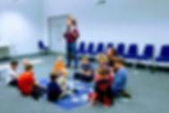 Dzieci mogły wziąć udział w kreatywnych zabawach przygotowanych przez Pracownię Bliskości...
