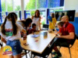 W naszym przedsięwzięciu pomogli nam i udział wzięli pasjonaci spotkań przy planszy...  / Board Game Land