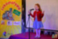 """Na miejscu II- Emilka Cassidy, lat 5 - za zaprezentowanie wiersza """"Okulary""""Juliana Tuwima"""