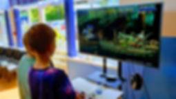 Z zaskoczeniem i radością obserwowaliśmy, jak szybko młodzi ludzie odnajdują się w grach, które budziły emocje w naszej młodości!