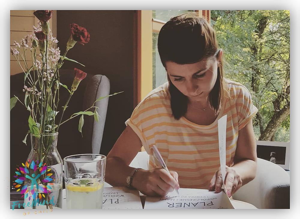 pani Anna M. Piaseczna, trener emocji i relacji, założycielka Free Mind of Child
