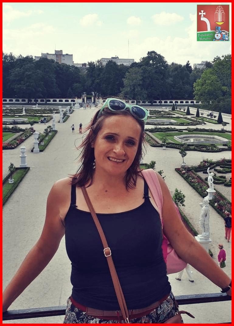 """Joanna Niewiem, slawistka, pedagog, przewodnicząca Jury w konkursie """"Co w sercu, to na papierze"""""""