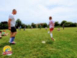 Maluchy i ich rodzice mogli wziąć udział w licznych zabawach i grach zespołowych.
