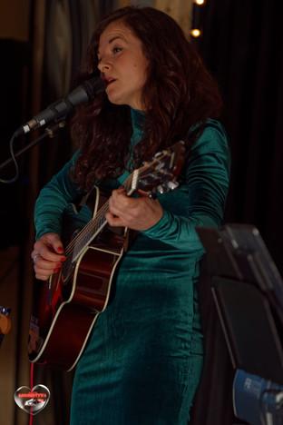 Magda Czuła w trakcie swojego mini-recitalu