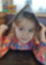 """Nadia Zofia, lat 5 zwierszem """"Katar"""" Jana Brzechwy"""