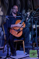 Sebastian Górski (teksty, wokal, gitara)