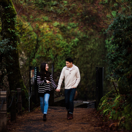 Mirabelle & Amaris' Chilly January Engagement Session at Multnomah Falls