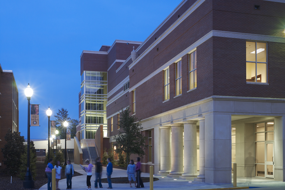 Thad Cochran Center