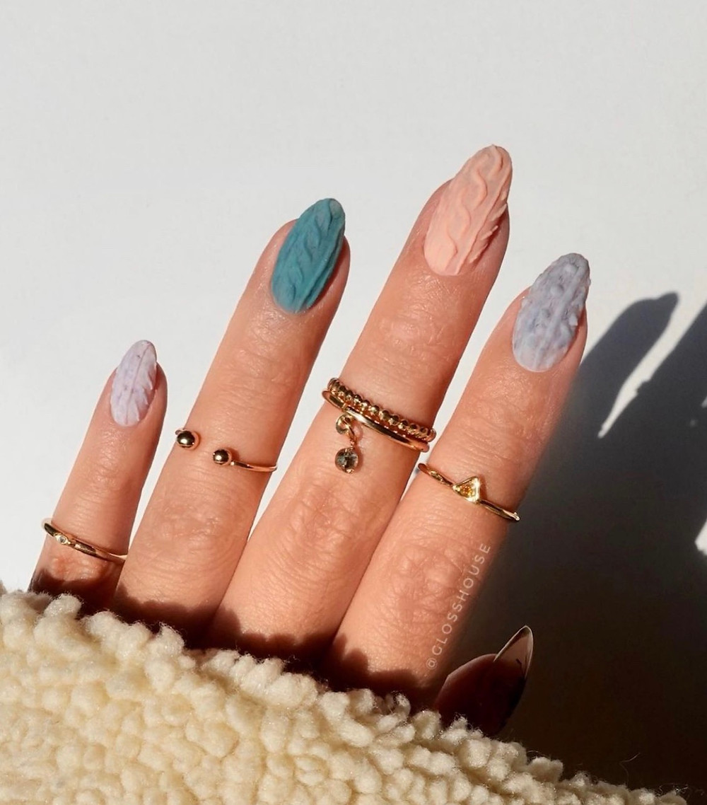 Summer Nail Trends: Pastel and Neutral Nail Color Inspiration