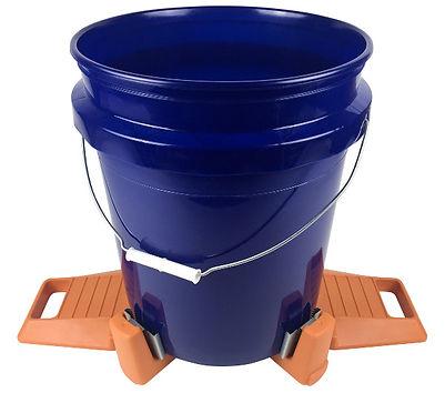 Bucket Vice with 5 gal blue bucket.jpg
