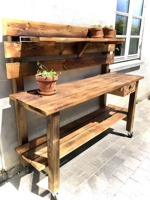 Udendørs køkken/plantebord