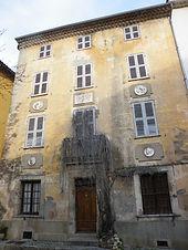 Maison_des_4_têtes_méounes.jpg