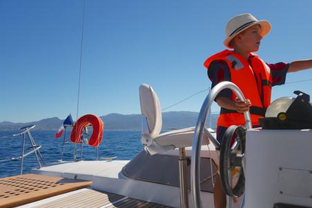 Promenade mer sortie en mer autrement le catamaran lodos à saint Cyprien Collioure pour vivre une expérience unique pour un regard différent sur la mer