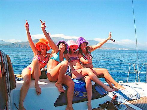 Catamaran enterrement de vie de jeune fi