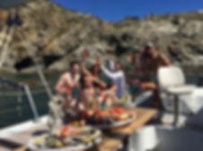 Enterrement vie de jeune fille de garçon ici jusque après Collioure au pied du Cap Béar et Paulilles une sortie en mer très différente.