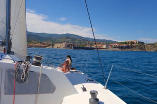 Cap sur Collioure à bord du catamaran lodos 12 pers maxi.