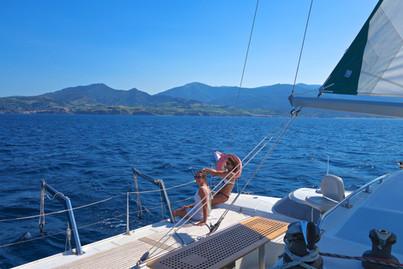 Une sortie en mer balade en bateaux avec un regard différent depuis Lodos Catamaran la côte Catalane Saint Cyprien Leucate Barcarès Canet-en-Roussillon Argelès Port-Vendres Cerbère une promenade autrement