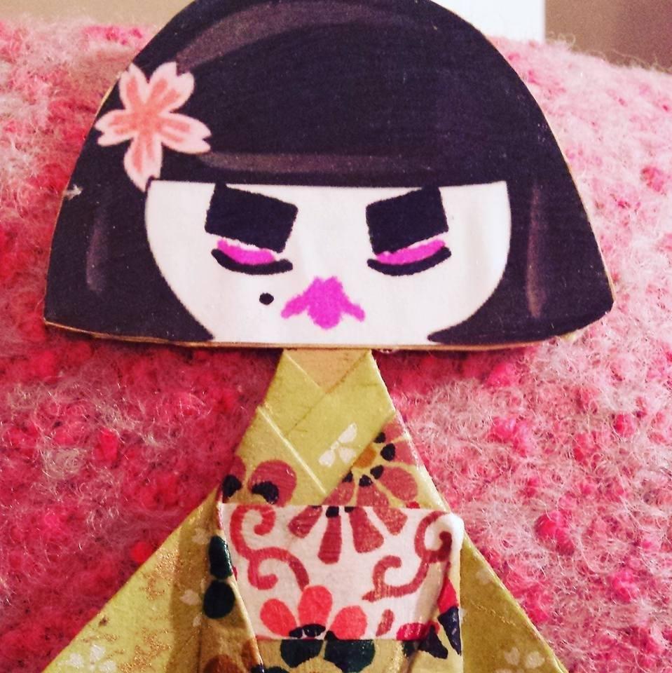 'Cranky Lily' origami selfie