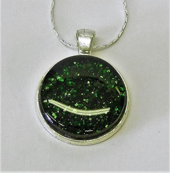 Hänge silverfärgat och grönt gnistrande