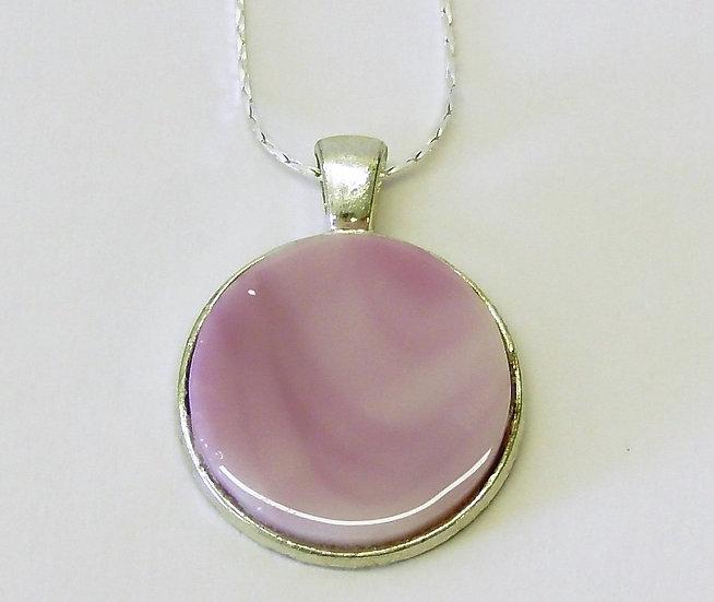 """Hänge silverfärgat med rosa melerad """"sten"""""""