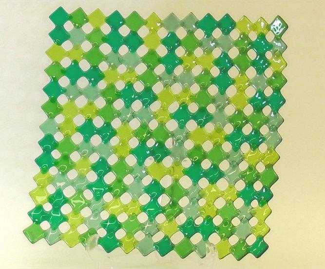 Fat med rutnät i gröna nyanser