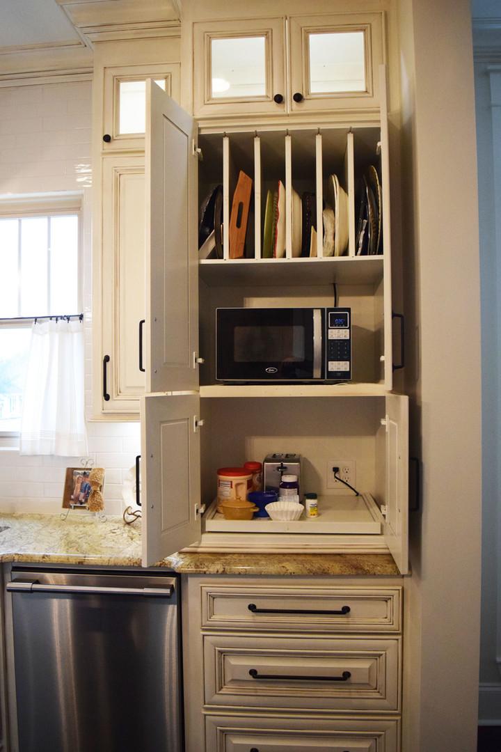 Brignac - Kitchen - 4.jpg