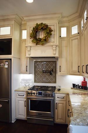 Brignac - Kitchen - 2.jpg