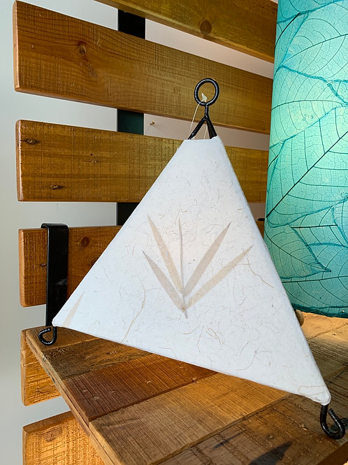 Triangle paper lamp