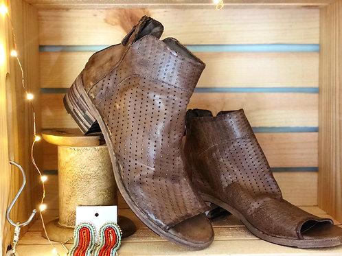 Gidigio - Vitellino Torta - Leather Sandal