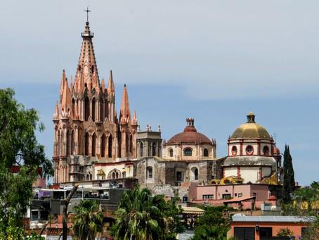 Slicing in San Miguel de Allende, Guanajuato, Mexico