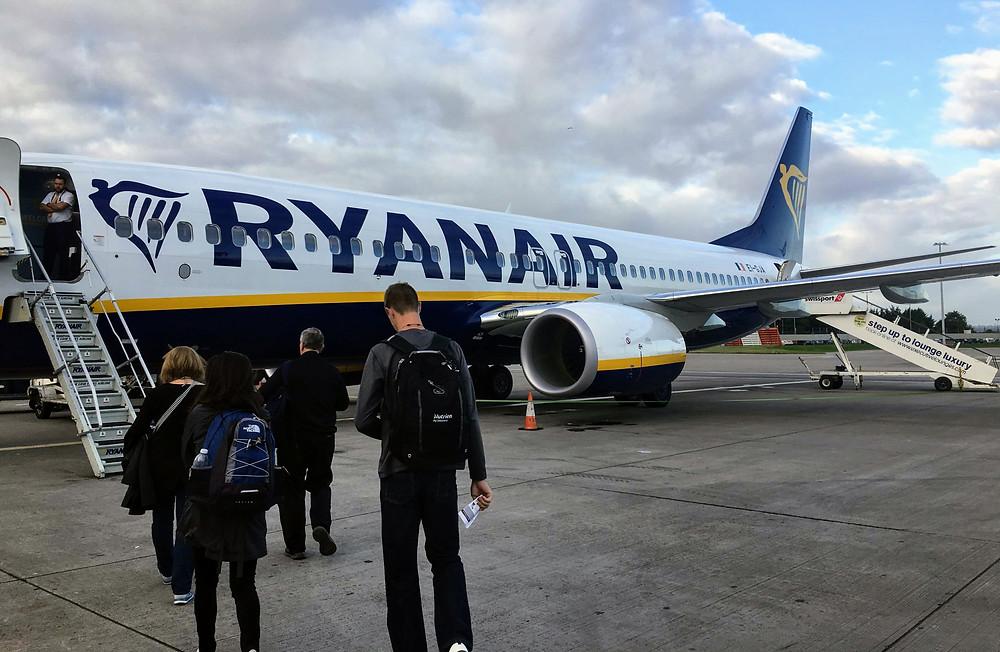 Ryanair tarmac airplane travel