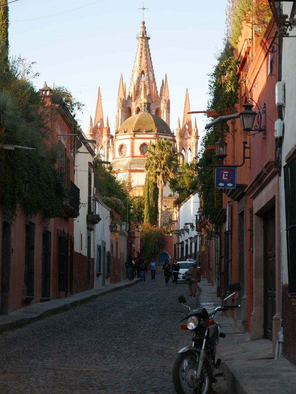 San Miguel de Allende church street mexico